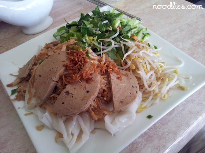 vegetarian vietnamese banh uot