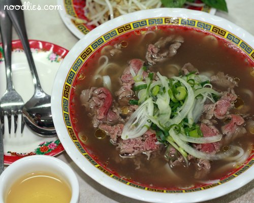 Pick 6 dishes that represent Vietnam