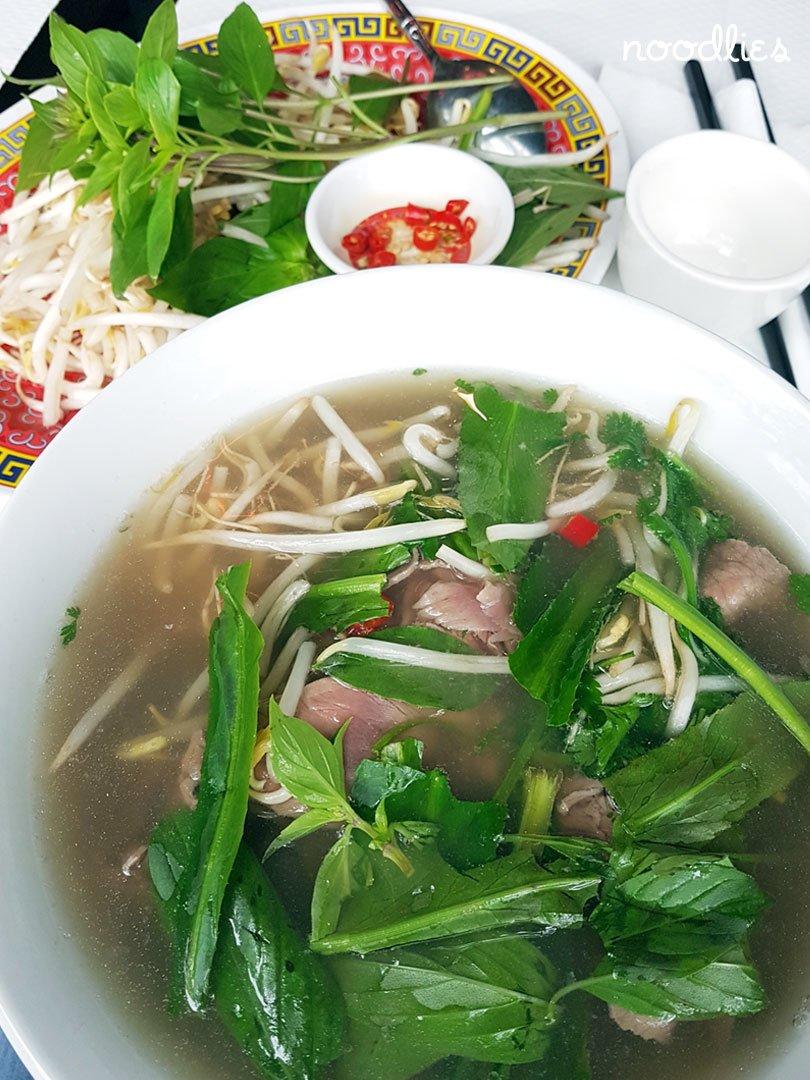 Pho Banh Cuon 14 pho tai